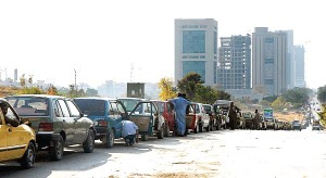 CNG-STATION-queue
